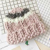 Женская шапка крупной вязки из шерсти мериноса трехцветная розовая, фото 1