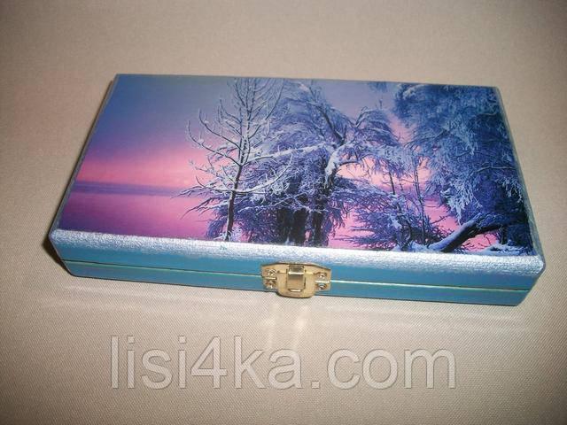 Деревянная голубая зимняя купюрница