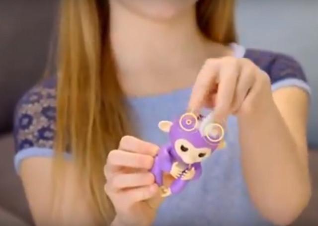 Интерактивная ручная обезьянка