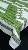Скатерька вышитая зеленая с сетами