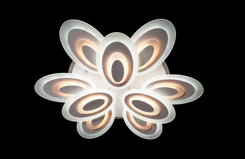 Современная потолочная люстра с диммером 8565-6+3