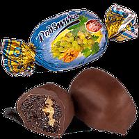 Шоколадные конфеты Изюм с грецким орехом Skava