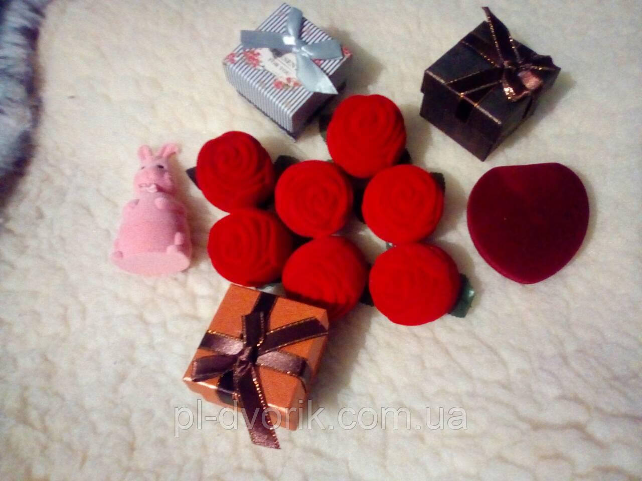 Коробочки под  золото на  подарки  заяц - 65 грн сердце - 55 грн коробочки  -   40 грн