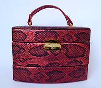 Женская красная шкатулка для ювелирных украшений и бижутерии 18*13*15 см питон с металлическим блеском, фото 1