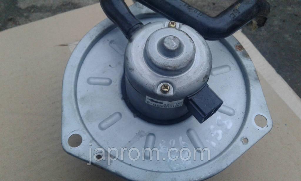 Моторчик печки мотор вентилятор печки отопителя Mazda 626 GE / 323 BA