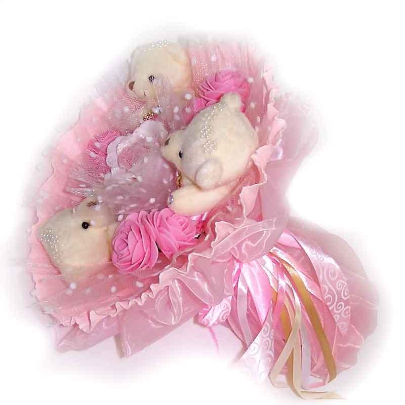 Букет из мягких игрушек Мишки бежевые 3 в розовом