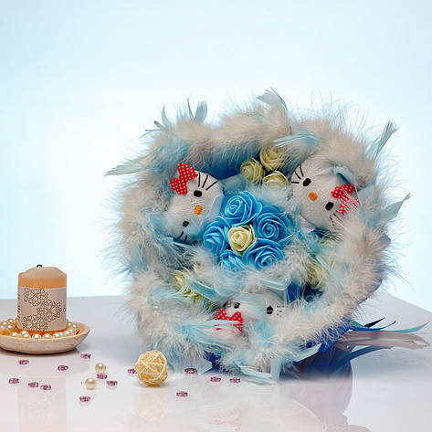 Букет из игрушек Котики 3 с розами голубой, фото 2