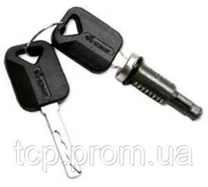 Комплект личинок замка (1личина 2 ключа) VOLVO FH12/FM12 TD07-51-072A TangDe