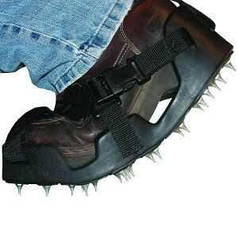 Голчасті сандалі з еластичною підошвою,розмір 43-45