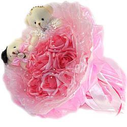 Букет из мягких игрушек Мишки Парочка белые в розовом