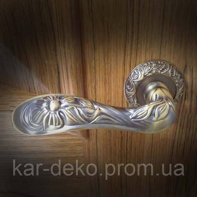фото  Ручки на розетке нажимные без механизма Safita R08H 201 kar-deko.com
