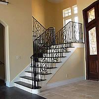Открытые кованые перила для бетонной лестницы