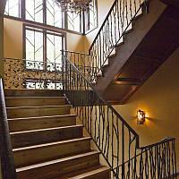 Кованое ограждение лестницы - железная роща