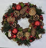 Венок декоративный рождественский 33см, с шишками и ягодами красный. Харьков, доставка, фото 1