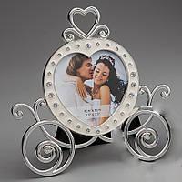 Свадебная фоторамка в виде кареты с сердечками
