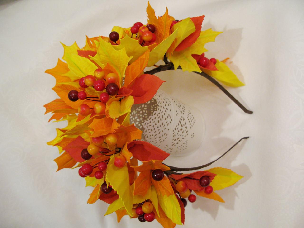 Осенний обруч с листьями и ягодами в желто красном цвете 600 грн