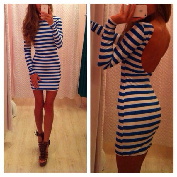 Платье бело-синее полосы короткое,спина открыта