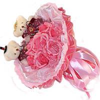 Букет из мягких игрушек Мишки парочка с розами в розовом