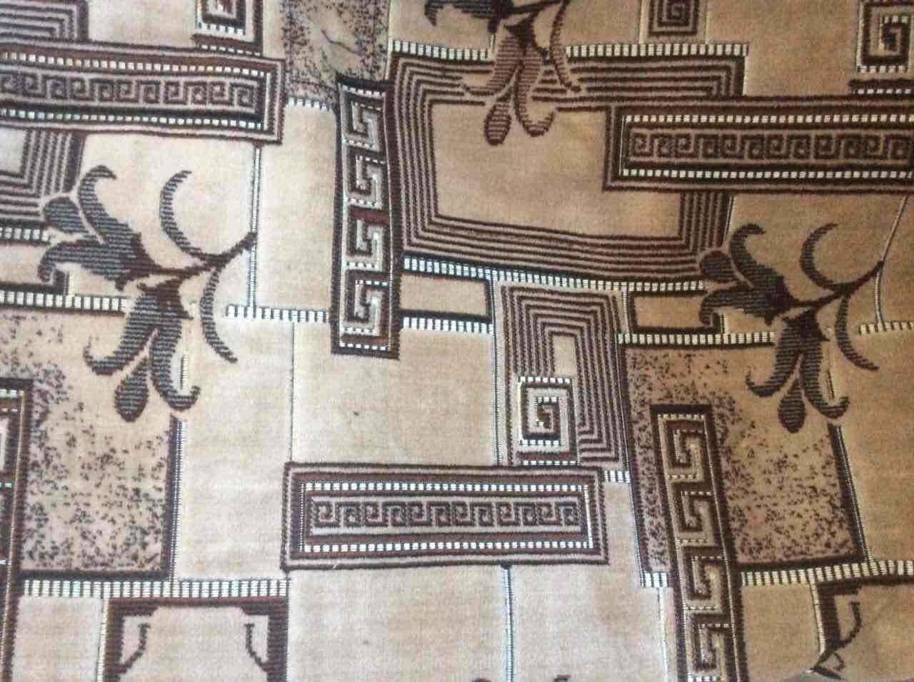Покрывало бежевое с коричневым рисунком 180*220 (дивандек) гобеленовое