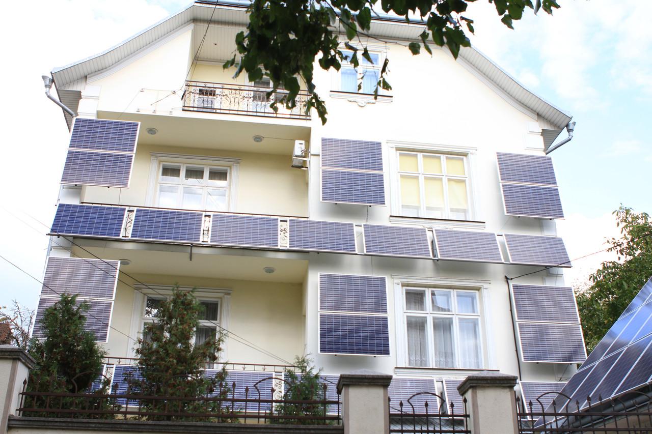 """Сетевая солнечная электростанция 10 кВт """"фасадного типа"""" под """"зеленый тариф"""""""