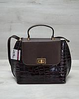 Молодежная женская сумка-клатч коричневый лаковый крокодил