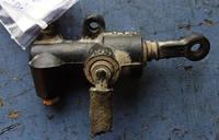 Главный цилиндр сцепленияVWTransporter T41990-2003701721401B