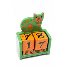 Настольный календарь из дерева Кот