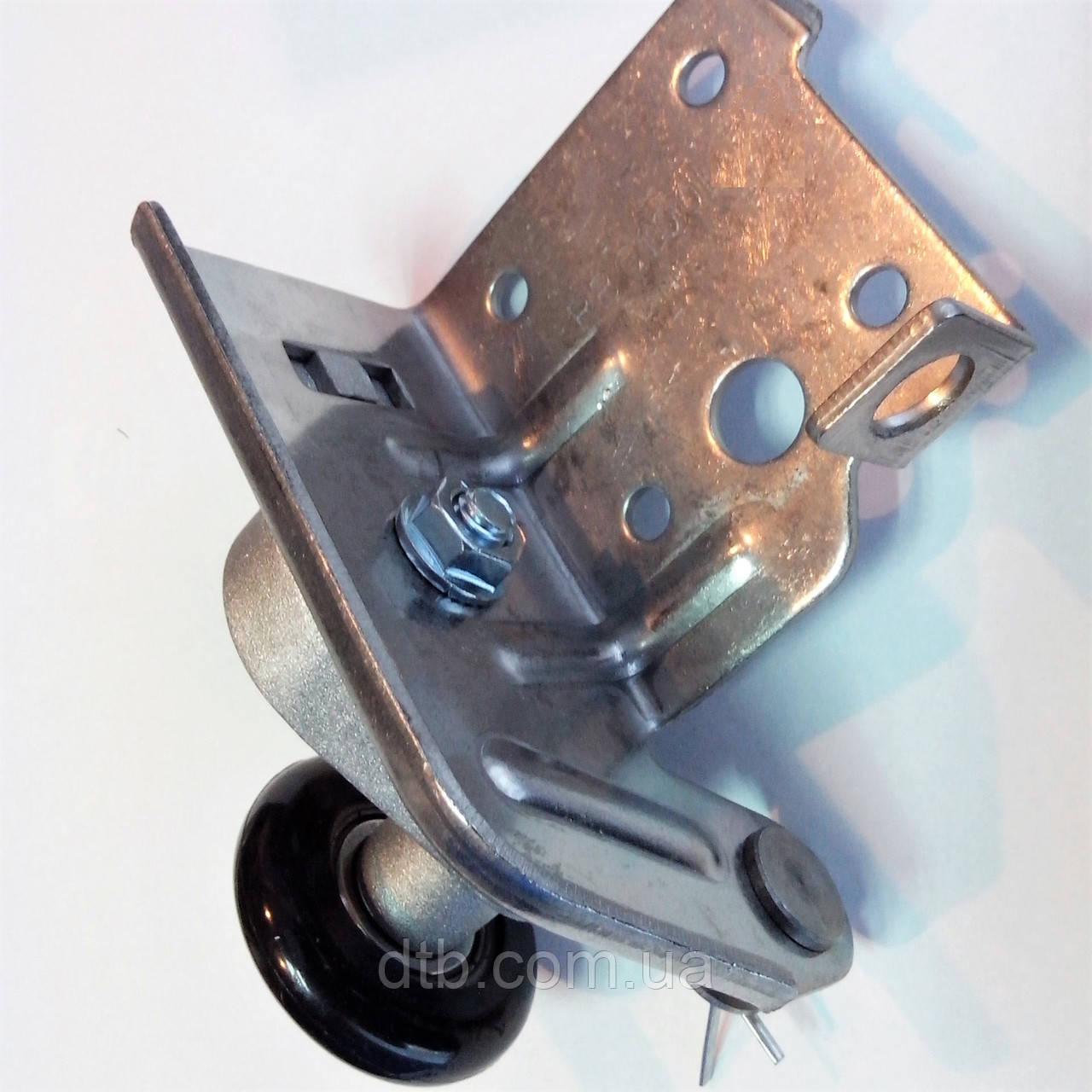 Кронштейн нижний с роликом RBG100L для ворот Alutech