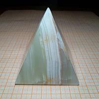Пирамида из оникса 8,6*7см
