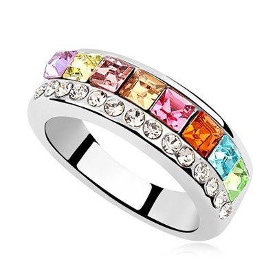 Кольцо с кристаллами Сваровски rs-18