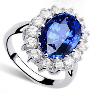Кольцо с кристаллами Сваровски rs-30