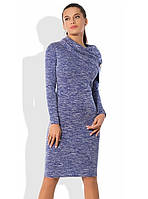 Светло-синее платье футляр из трикотажа меланж с брошкой