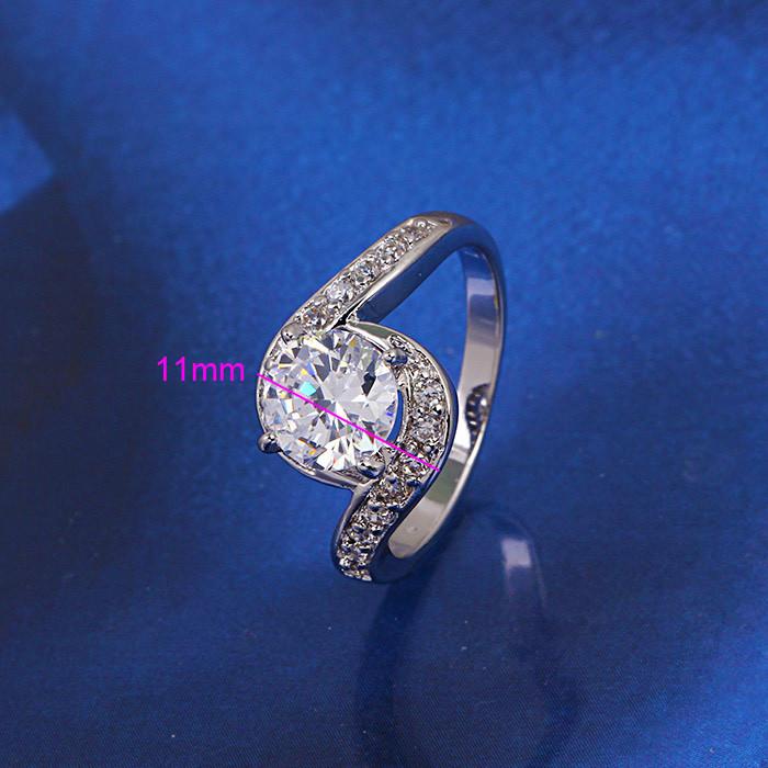 Кольцо с кристаллами Сваровски rs-153