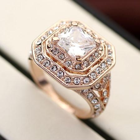 Кольцо с кристаллами Сваровски rs-160