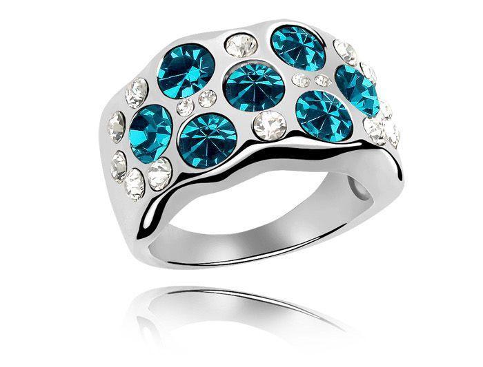 Кольцо с кристаллами Сваровски rs-161