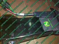 Семяпровод AA67779 с сенсором AA61909 TUBE ASSY, SEED SENSOR A84520 зернопровод с датчиком аа67779, фото 1