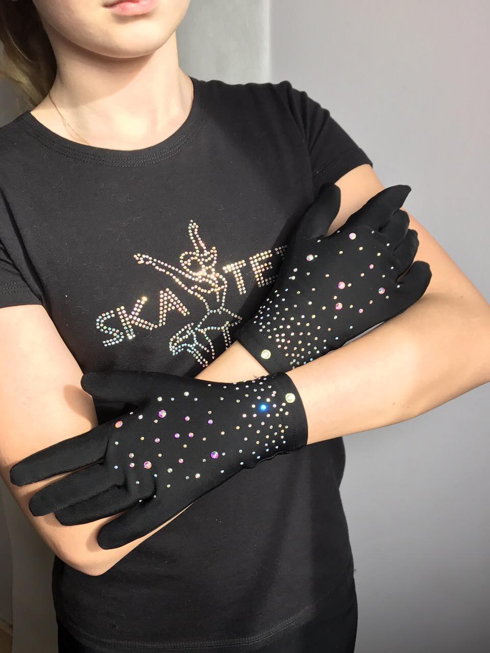 Перчатки для фигурного катания со стразами (черного цвета)