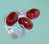 Срібний перстень з цирконом та поробними каменями