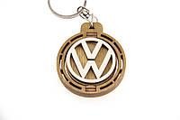 Брелок для ключей деревянный с вращающимся логотипом Volkswagen (Фольксваген)