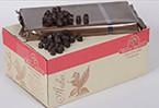 Шоколад темний у формі діамантів, вміст какао продуктів 72%, вміст масла какао 37-39%