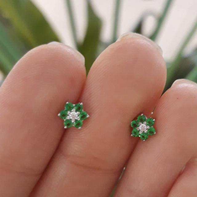 Серебряные детские серьги Цветочки Зеленые фото 2