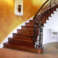 Бетонная пристенная лестница для дома