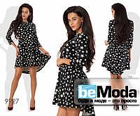 Эффектное яркое женское платье с оригинальным принтом из звездочек и удлиненным задом черное