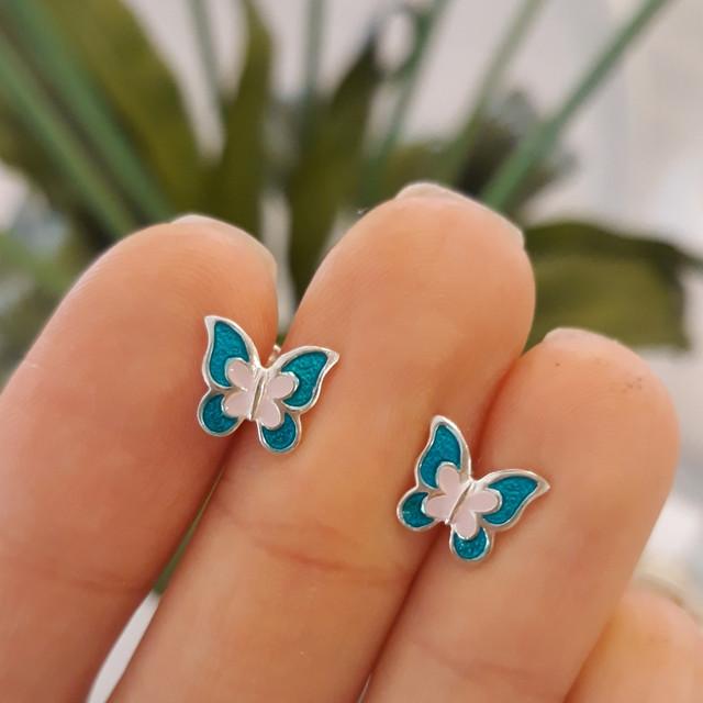 Серебряные серьги для девочки с эмалью Бабочка фото 3