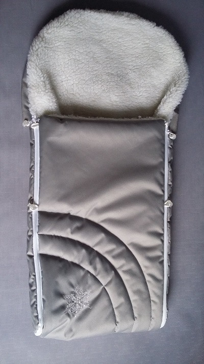 Чехол в санки на овчине серого цвета Снежинка
