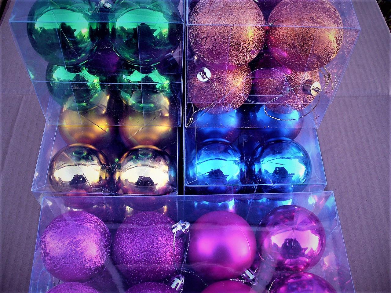 Новогодние елочные шары 16 шт. в упаковке ( диаметр 6 см )