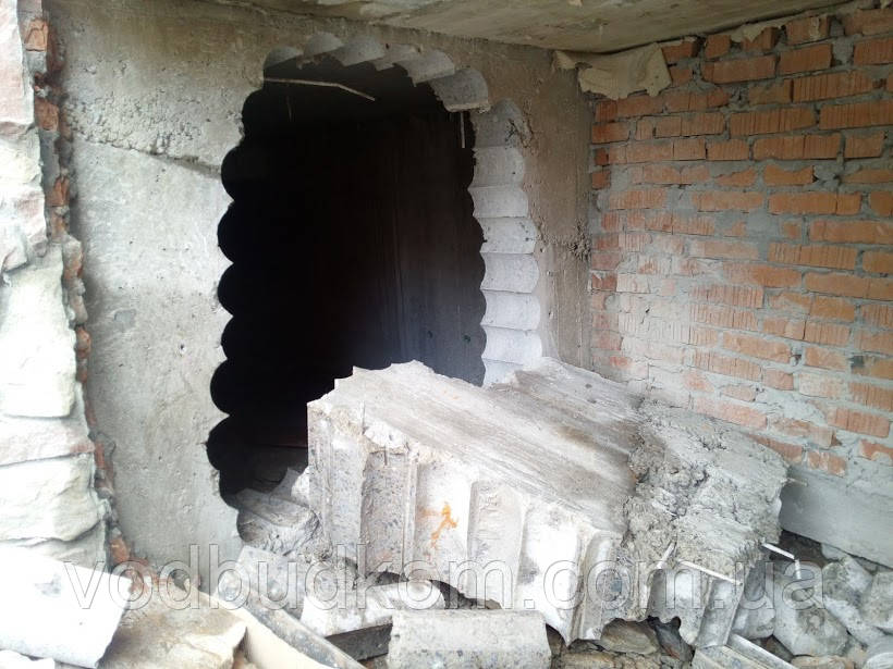 Алмазна різка бетону залізобетону в моноліті