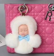 Меховой брелок на сумку Куколка 13 см, белый. Натуральный мех