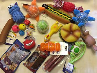Іграшки та ласощі для собак і кішок