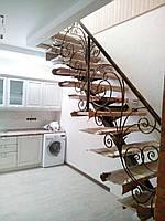Лестница. Лестница на одном центральном косоуре (монокосоуре)